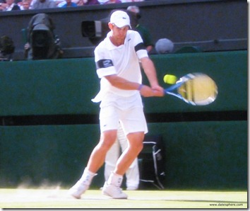 andy roddick playing terrific tennis (against Federer here) at Wimbledon 2009