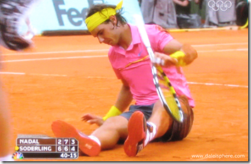 french open 2009 - rafael nadal - the champ goes down