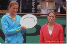 Safina Holds Runner-up Trophy as Henin looks on at 2008 French Open